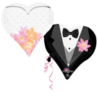 bride and groom heart shaped balloons